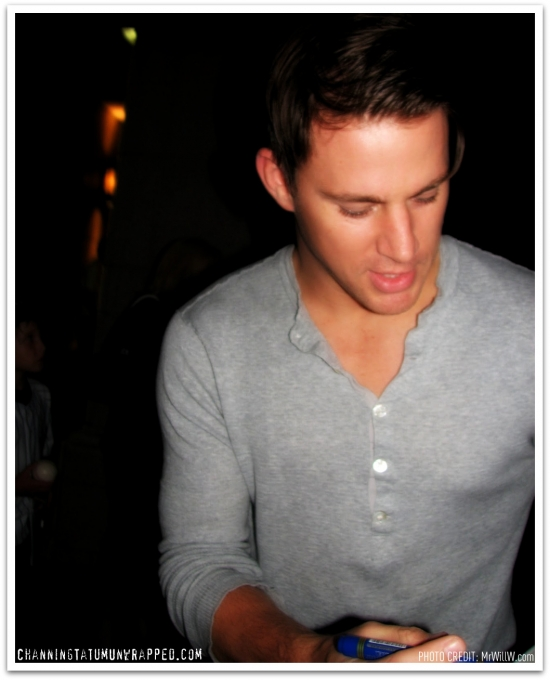 @ChanningTatum Signing Autographs for Toronto Fans /via @mrwillw (AUG 24, 2010)